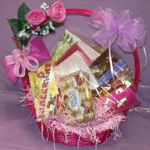 A Gift Hamper Can Be Creative Simple And Personalized This Makes It Perfect For Your Lovely Lady Just Collect Few Of Her Favorite Things