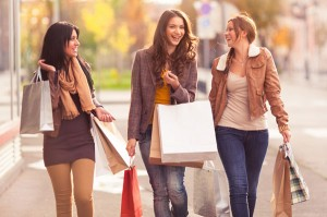 female-friends-shopping-together