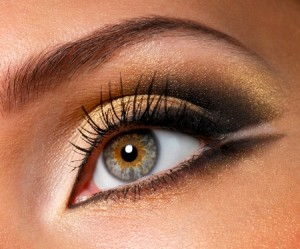 golden-eye-makeup-for-hazel-eyes-300x249