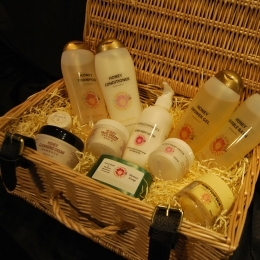 personal-care-hamper