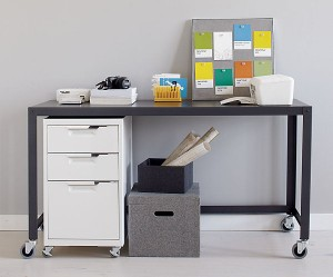 office-decorating-ideas-with-colorful-wall-art