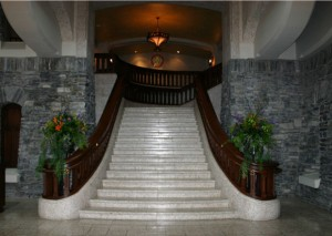 Haunted_Places_In_Canada_-_Fairmont_Banff_Springs_Hotel_syuhxf