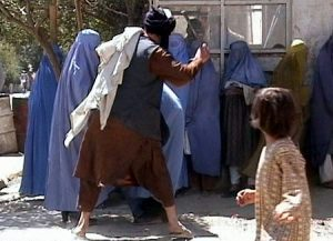 Taliban_beating_woman_in_public_RAWA